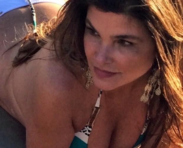 Linda! Cristiana Oliveira agora em pose mais sexy (Foto: Reprodução internet)
