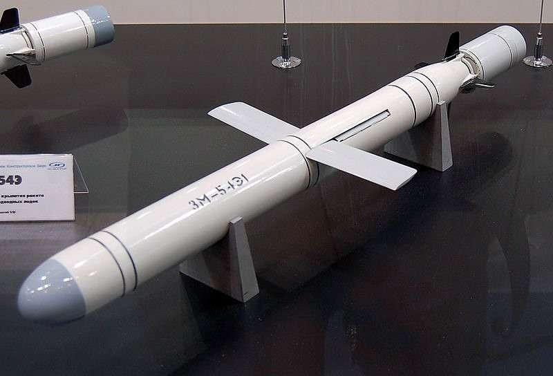 Сравнивать оружие без специальных исследований – это всё равно, что на Луну лаять