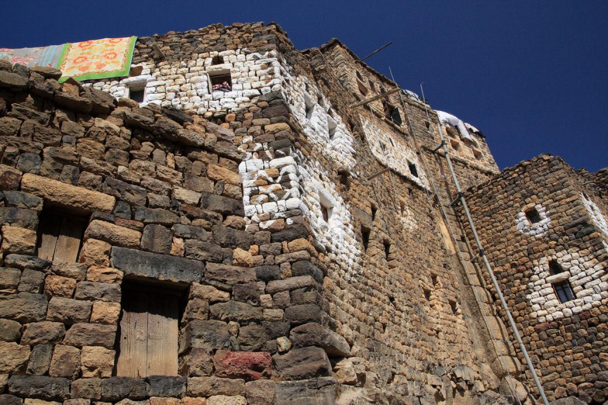 Al Hajjarah, a cidade da Idade Média com edifícios de vários andares 03
