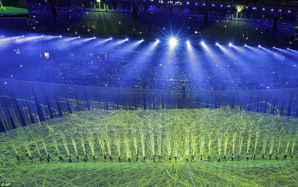 O Olympic Opening Ceremony 2016 começou no Rio na sexta-feira noite com uma festa impressionante da cultura brasileira