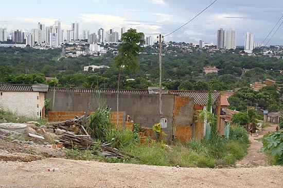 Bairro Jardim Colorado, com problemas de infraestrutura, em Cuiabá, pior capital avaliada
