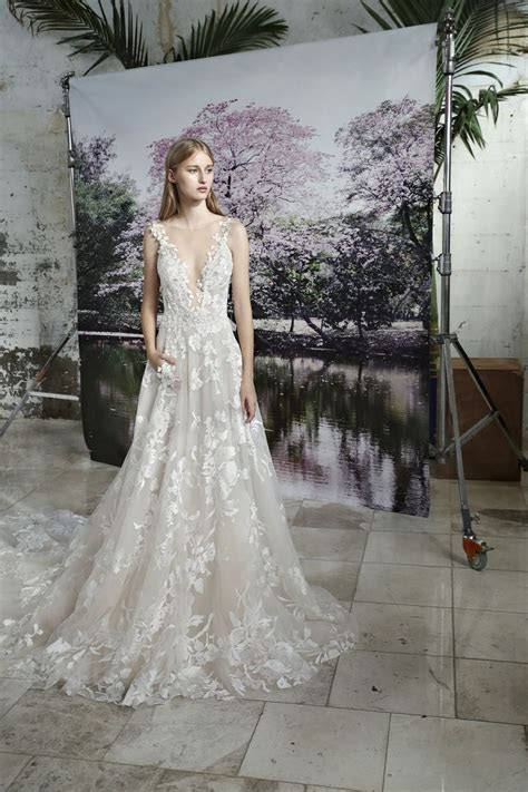 Jewish Wedding Designers Reimagine Traditional Gown ? The