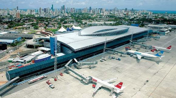 Aeroporto Internacional dos Guararapes está na disputa para atrair o hub. Foto: