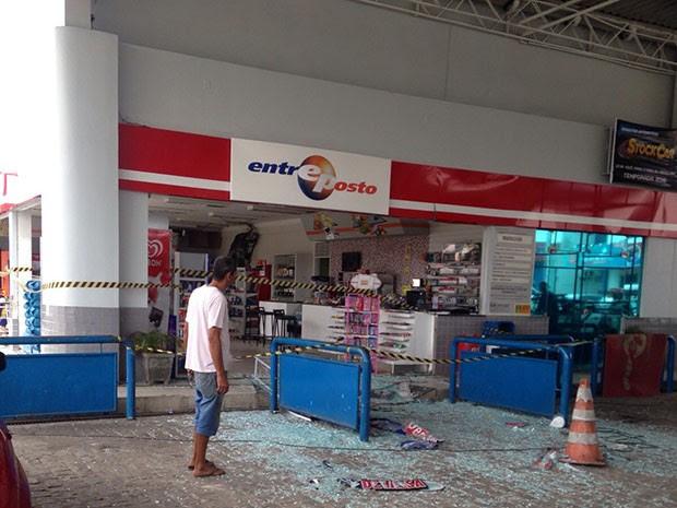 Crime aconteceu na madrugada desta sexta-feira (11) (Foto: Roberto Lucena)