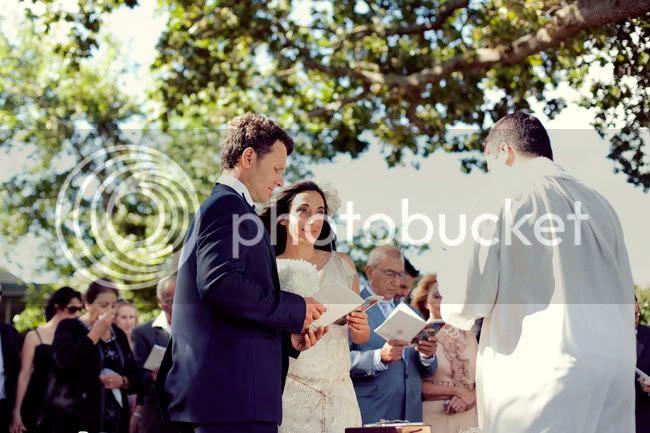 http://i892.photobucket.com/albums/ac125/lovemademedoit/VT_fraanschhoekwedding_012.jpg?t=1298039139