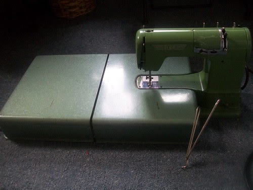 Elna Supermatic with work table