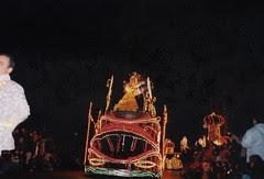 Beauty and the Beast sewaktu Disney Parade, Disneyland Paris, France