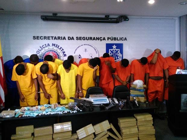 Suspeitos presos pela polícia na operação Kourus e Bromélia em Salvador (Foto: Yuri Girardi/G1)
