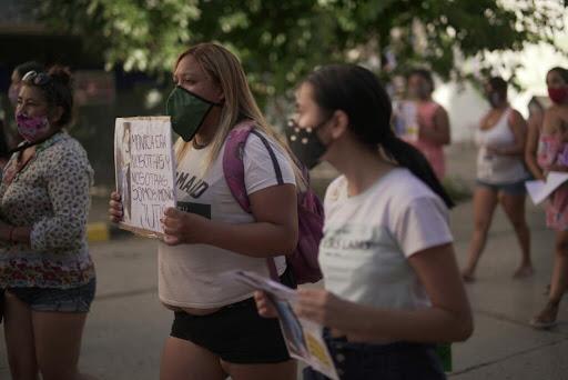 Marcharon para exigir Justicia por la muerte de dos mujeres en Roca y Allen