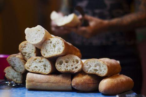 Grimsby Telegraph, bread