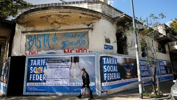 Un año después, sigue tapiado el taller de Flores donde murieron Rodrigo y Rolando Mur Menchaca por un incendio