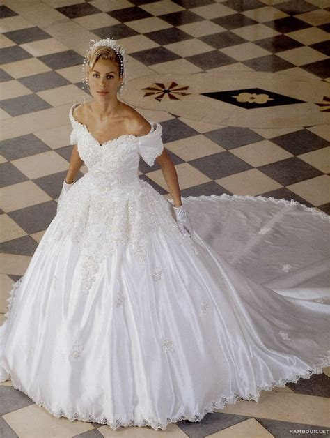 1000  images about 90's WEDDING GOWNS on Pinterest   Satin