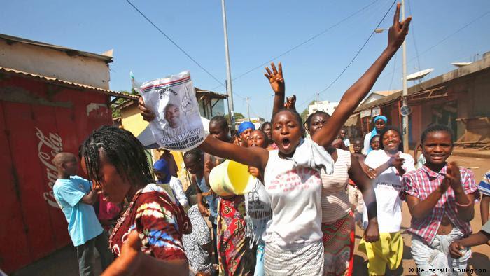 Gambia Banjul apoiantes Adama Barrow (Reuters/T. Gouegnon)