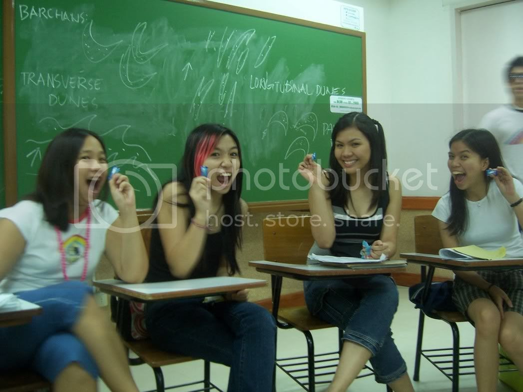 Les, Jill, Sara and Lau advertising candy that Derek gave away? Think about it. Image hosted by Photobucket