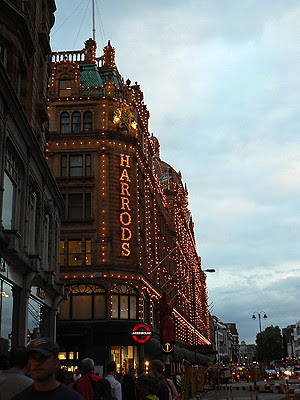 harrods by night.jpg