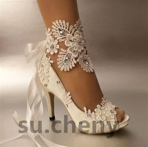 25  best ideas about Lace shoes on Pinterest   White lace