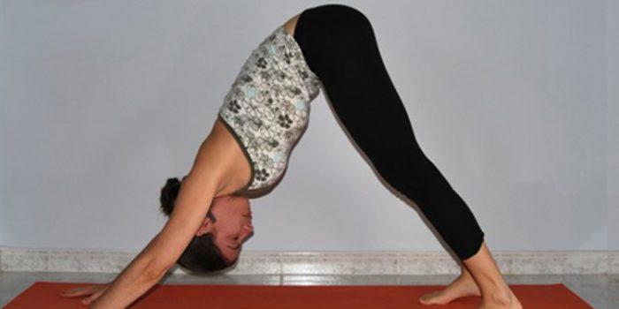 Posturas de yoga para regular el peso