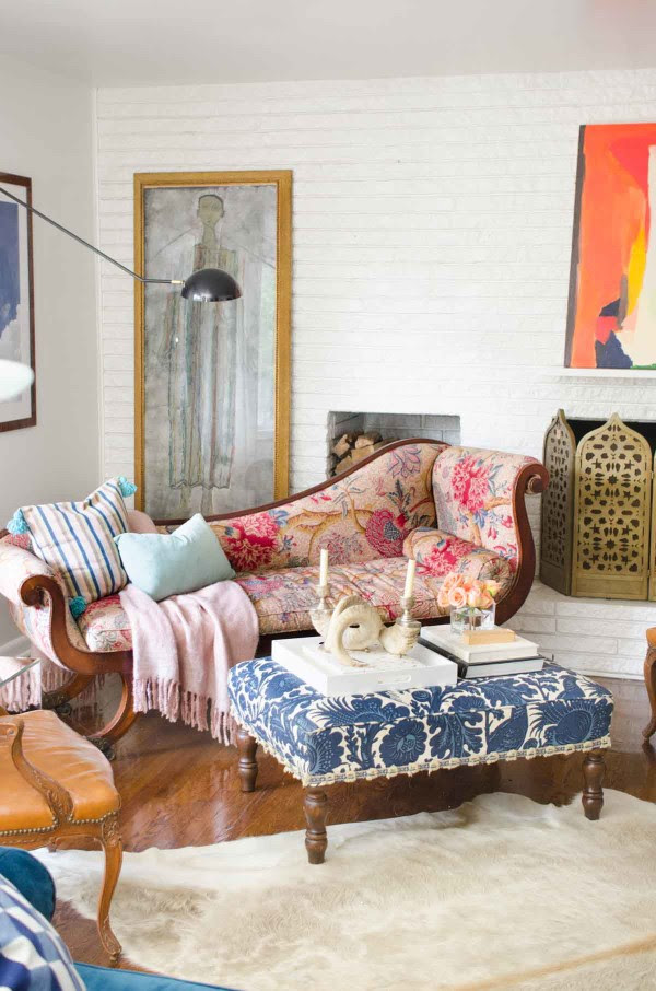 thouswell-living-room-classic-pieces