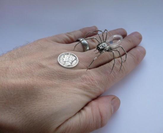 """perierga.gr - Παλιά ρολόγια """"μεταμορφώνονται"""" σε εξαιρετικά κοσμήματα!"""