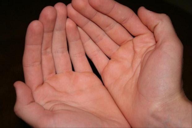 Tiên đoán tương lai qua màu sắc lòng bàn tay