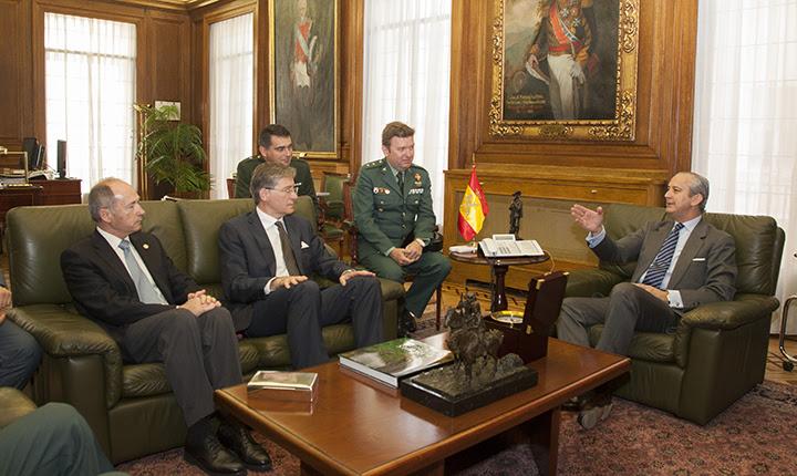 El Director General de la Guardia Civil se reúne con el Director del Centro de Altos Estudios del Ministerio del Interior Francés