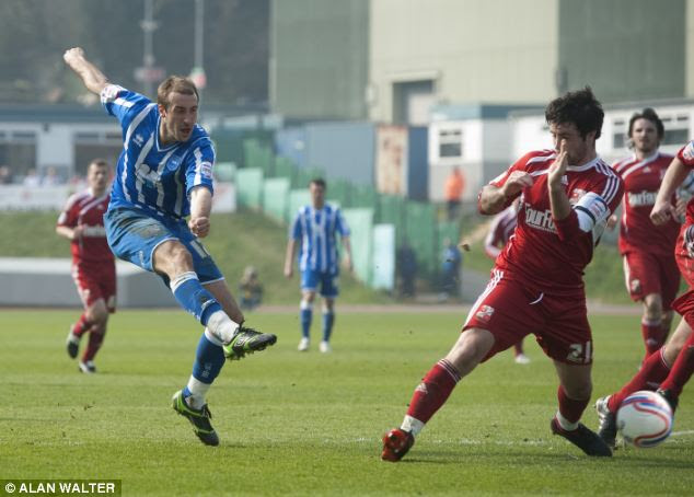 Former foe: Murray used to play for Palace's biggest rivals Brighton, who are also hunting promotion