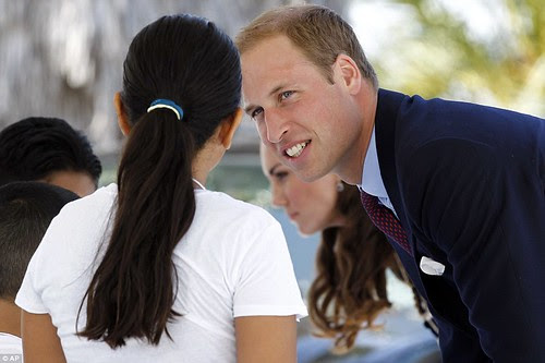Royal snail  Kate races ahead with her painting at Inner-City Arts  campus whilst William is slow off the mark  5
