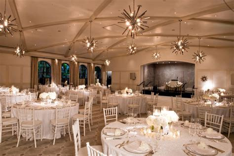 Reception Décor Photos   Modern White Wedding Indoor Décor