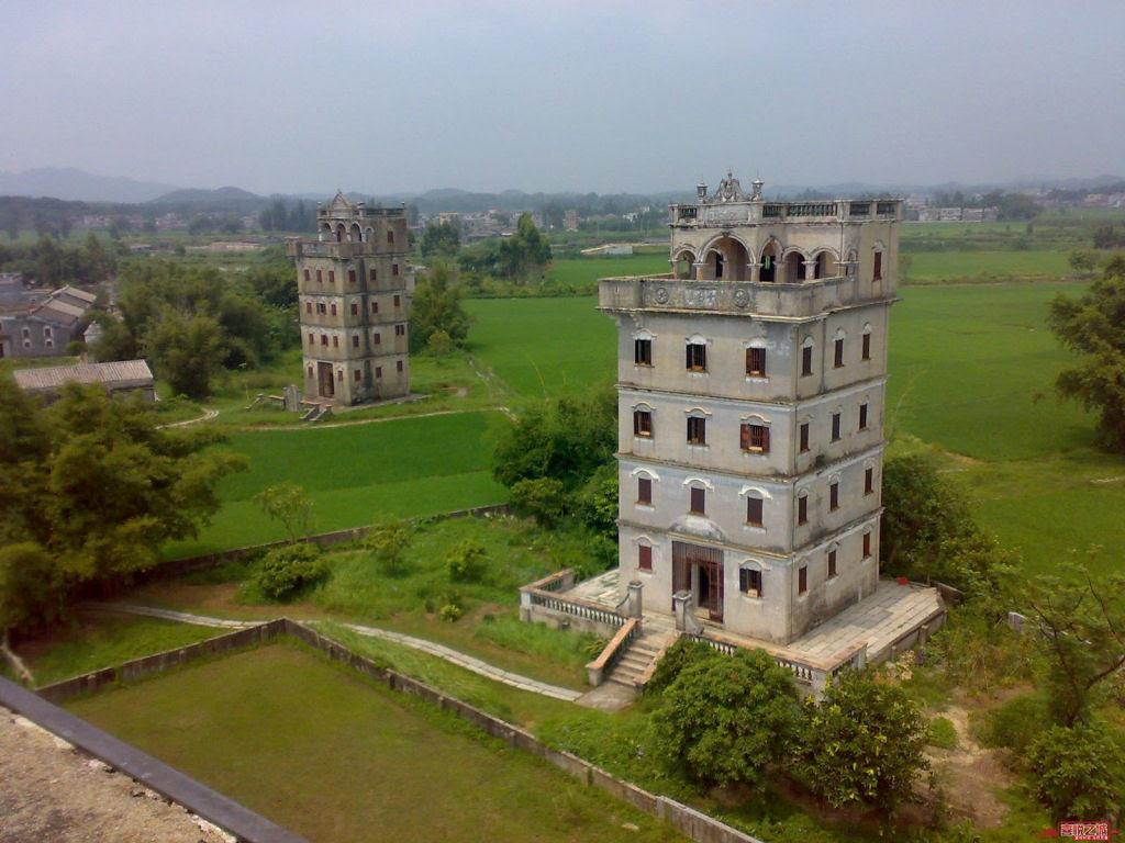 Torres no estilo europeu foram erguidas no meio da China 09
