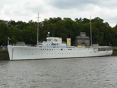 navire de guerre.jpg