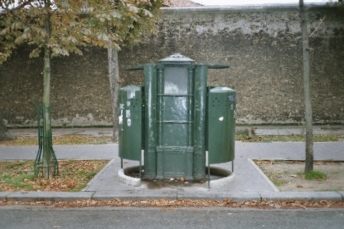Vespasienne du boulevard Arago, Paris