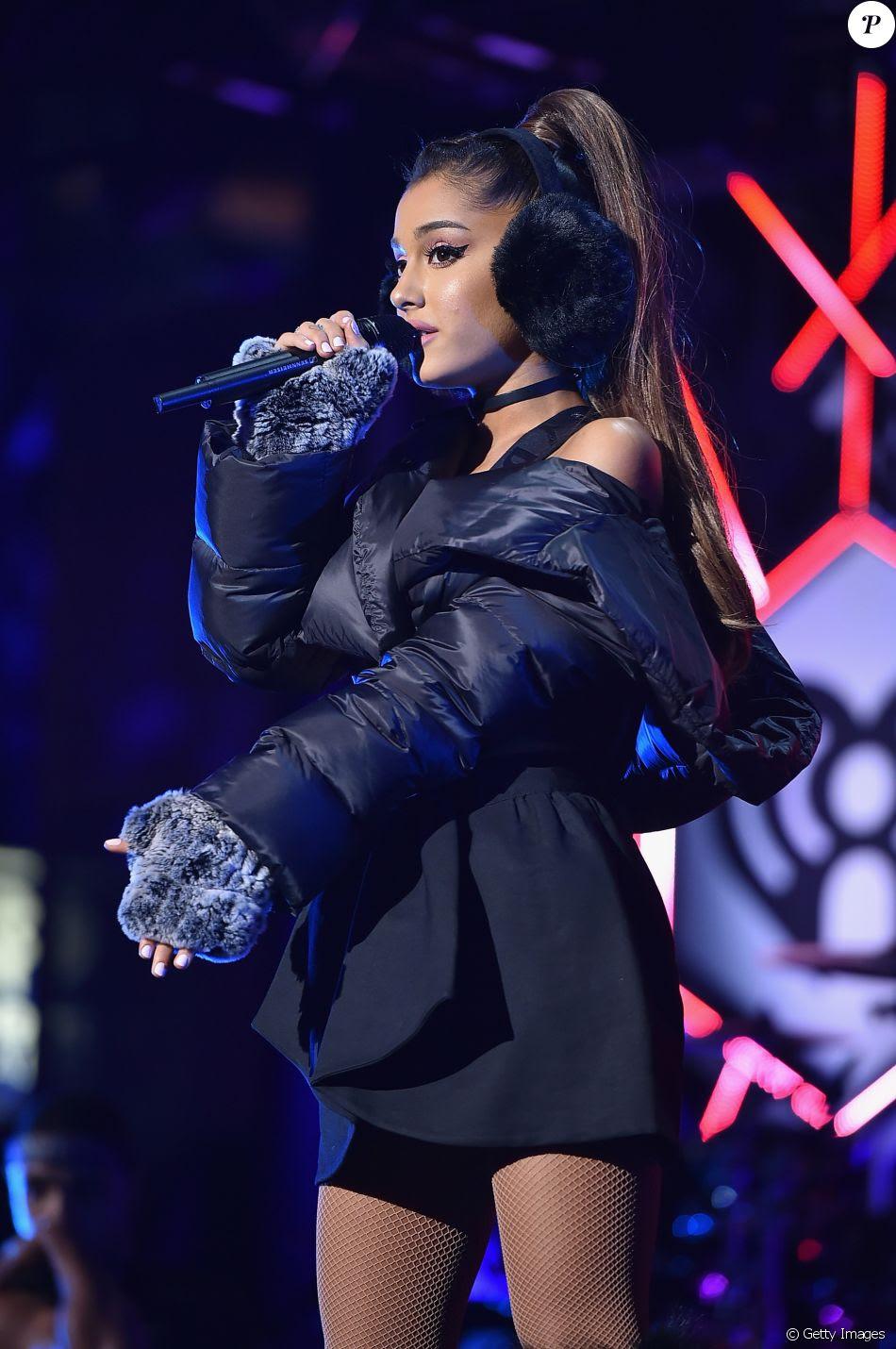 Os fãs de Ariana Grande começaram a acampar um mês antes do show da cantora em São Paulo