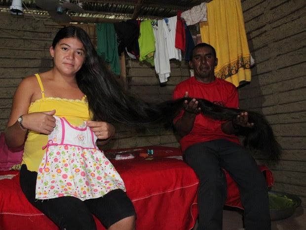 Casal espera ansioso pela primeira filha e quer comprar enxoval com dinheiro do cabelo de Rosilene (Foto: Patrícia Andrade/G1)