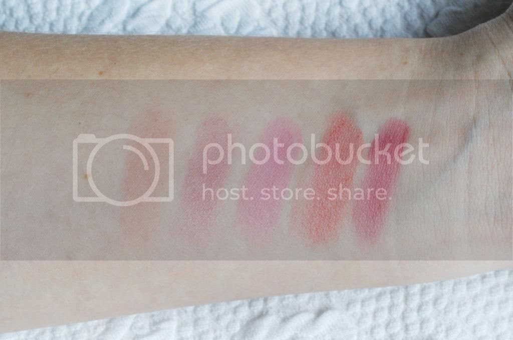Tarte Pin Up Girl Amazonian Clay 12-Hour Blush Palette photos review swatches