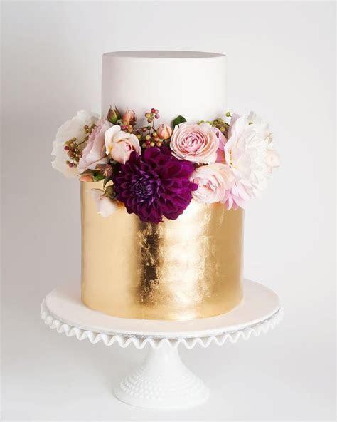 Best 25  Wedding Cake Fresh Flowers ideas on Pinterest