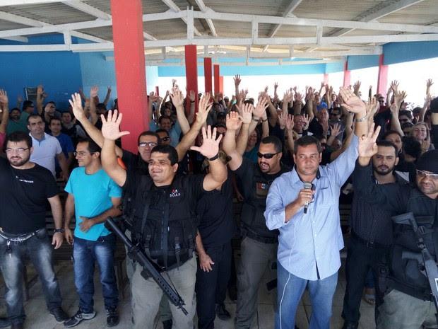 Resultado de imagem para Após Assembleia, servidores penitenciários da Bahia decidem entrar em greve
