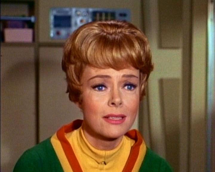 Resultado de imagem para maureen robinson lost in space