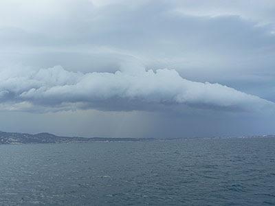 ciel d'orage sur Antibes.jpg