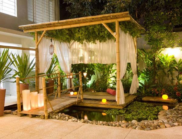DIY-Backyard-Pergola-WooHome-15