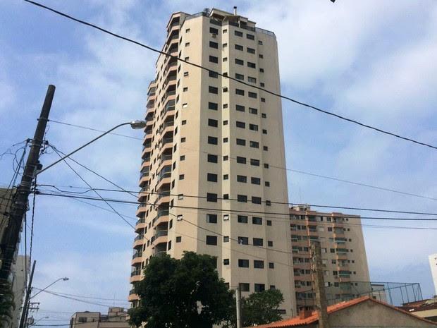 Criança caiu do 16º andar de prédio em Praia Grande, SP (Foto: Solange Freitas/G1)
