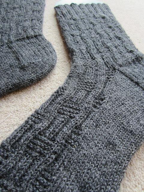 Earl Grey Roger socks (11)