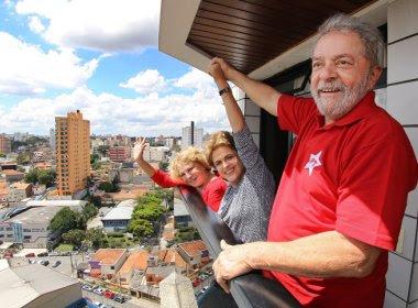 Após quatro horas de encontro, Dilma e Lula saem de reunião sem acerto sobre ministério