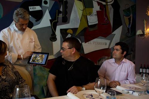 Etxanobe revoluciona el servicio de sala ofreciendo un iPad a los comensales