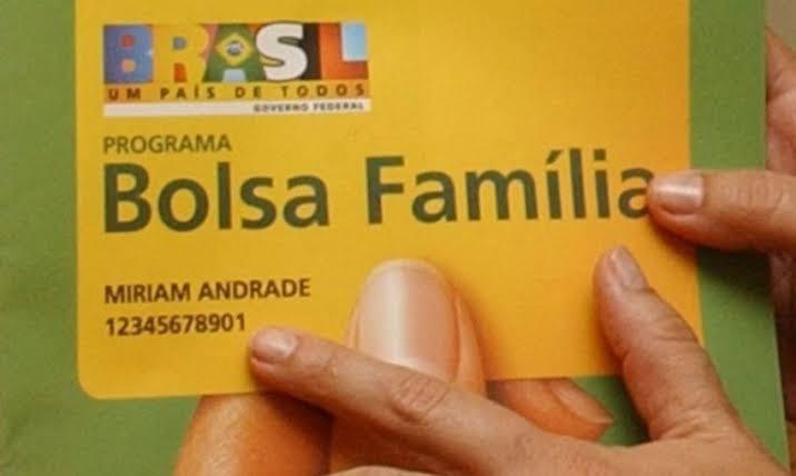 Governo planeja reajuste de 50% ou mais no novo Bolsa Família, diz ministro