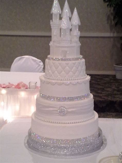 THIS IS MYYY WEDDING CAKE, DON'T EVEN THINK OF DUPLICATING