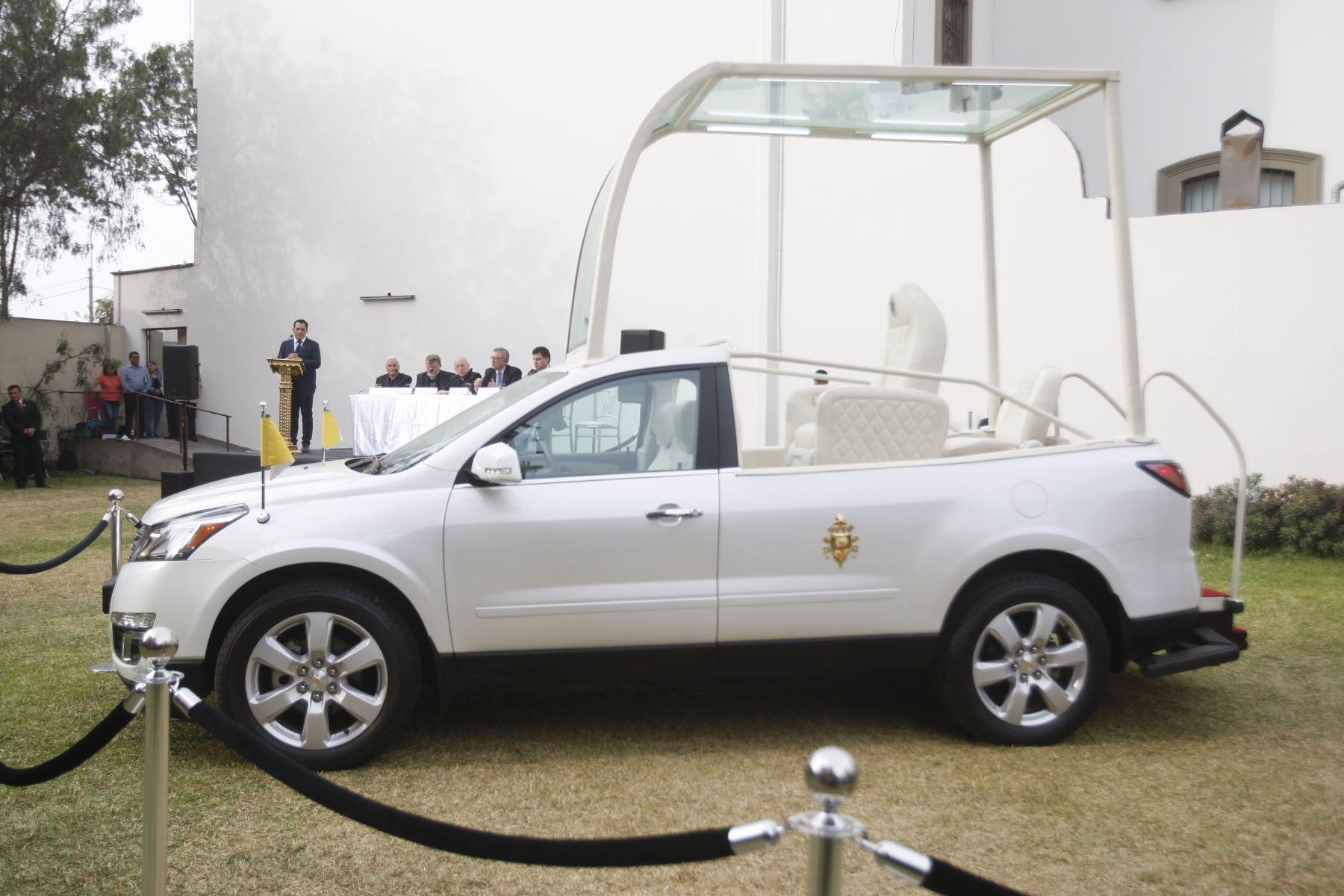 Los autos a usarse en Perú tienen la cúpula de cristal removible y modular. Foto: ANDINA/Eddy Ramos.
