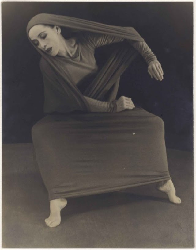 herta-moselsio-martha-graham-in-lamentation-no-1-coll-martha-graham