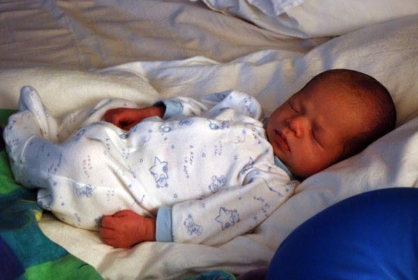 dylan 23 days old