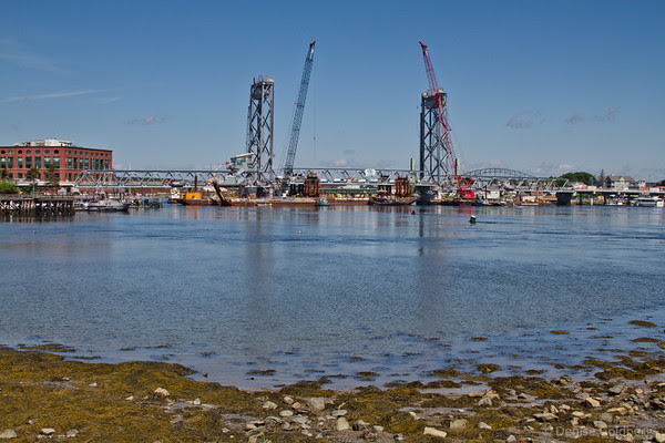 center span in place, looking like a full bridge!