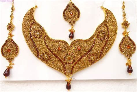 Gold Necklaces Designs in Dubai   Bridal Jewellery Sets